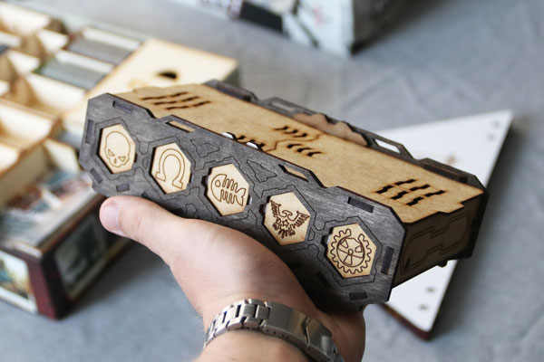 Pudełko na armie Neuroshima Hex od Szajna LaserCut